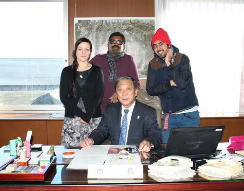 12/16 市長表敬 Visit the mayor_a0216706_1291773.jpg
