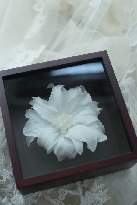リリメリア 和装の髪飾りの花をフレーム仕立てに 結婚式後の花の保存方法_a0042928_18415470.jpg