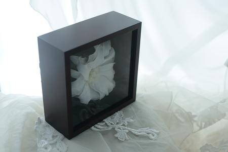 リリメリア 和装の髪飾りの花をフレーム仕立てに 結婚式後の花の保存方法_a0042928_18421386.jpg