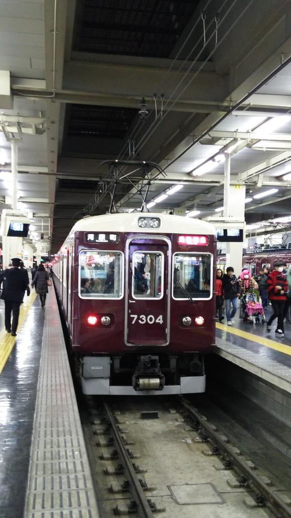 阪急7304F 通勤特急運用_d0202264_21561432.jpg