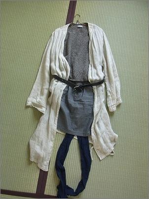 【 新しい服を買ったらすること 】_c0199166_23133580.jpg