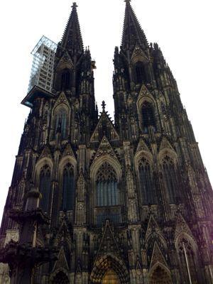 ケルン大聖堂のてっぺんでーす‼_a0071934_18305071.jpg