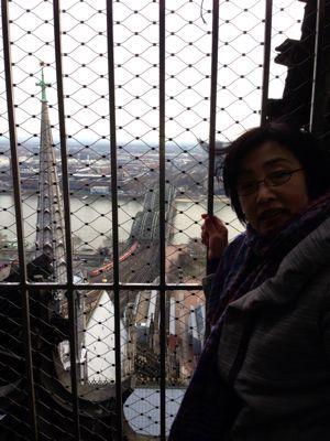 ケルン大聖堂のてっぺんでーす‼_a0071934_18305162.jpg