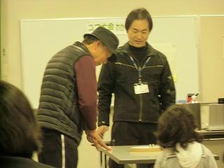 関市立図書館でコマ体験!_a0272042_19494083.jpg