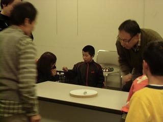 関市立図書館でコマ体験!_a0272042_19495516.jpg