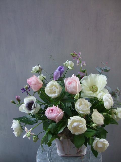 オークリーフ(薔薇とアネモネのアレンジメント)_f0049672_16472349.jpg