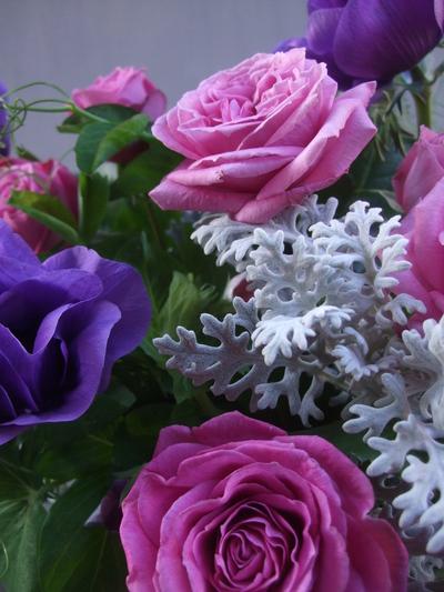 オークリーフ(薔薇とアネモネのアレンジメント)_f0049672_16481163.jpg