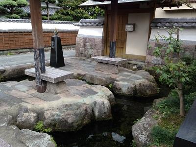 おとなりの湧水地 + 温泉_b0228113_15412940.jpg