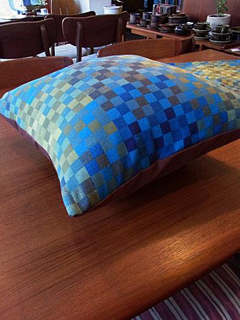 cushion & fabric panel_c0139773_1724918.jpg