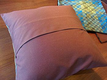 cushion & fabric panel_c0139773_173152.jpg