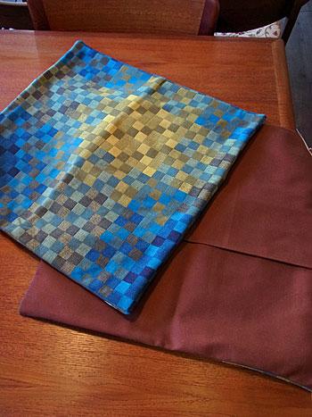 cushion & fabric panel_c0139773_1732113.jpg