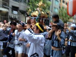 渋谷、金王八幡宮の神輿について歩いた_a0000006_19132439.jpg