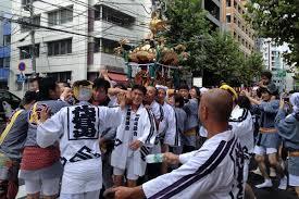 渋谷、金王八幡宮の神輿について歩いた_a0000006_19134265.jpg