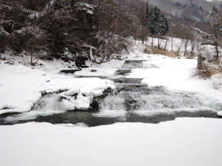 本日「大寒」、「大寒の龍泉洞の水」限定販売します。_b0206037_10155947.jpg