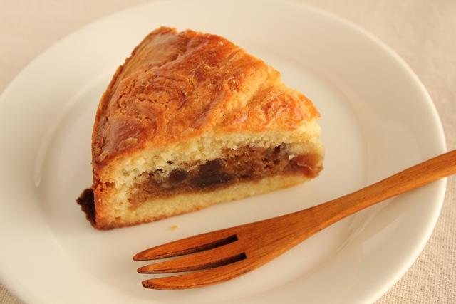 パン教室で「レーズン酵母の食パン」を習いました!_a0165538_9395428.jpg