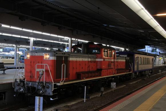 キハ120形とDD51 大阪駅にて_d0202264_540181.jpg