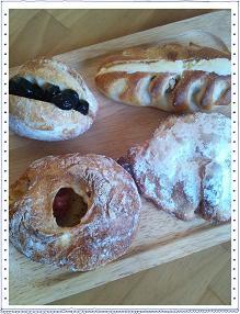 近所のパン屋さん_c0194374_12194282.jpg