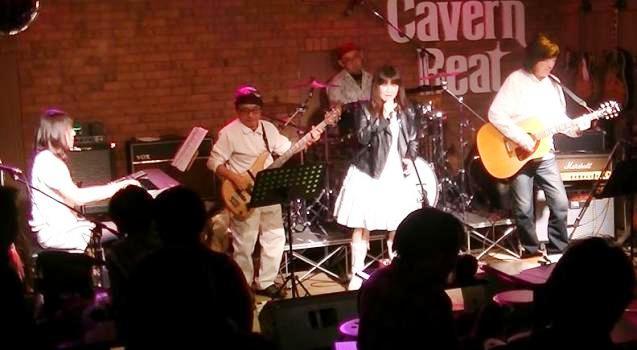2013年・カラフル年末ライブ、2日目のライブレポpart2♪_e0188087_2295216.jpg