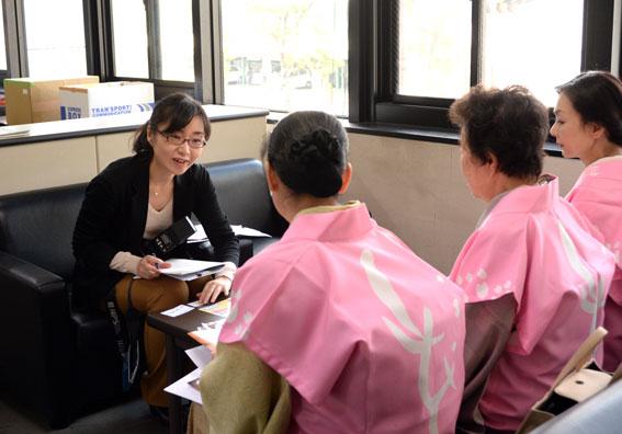 津市内の報道関係へ「ひな祭り」のPR_b0145257_2002589.jpg