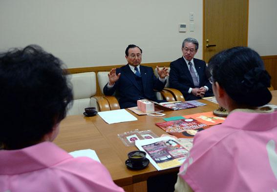 津市内の報道関係へ「ひな祭り」のPR_b0145257_20133165.jpg