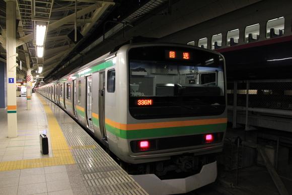 E231系 東京駅到着!_d0202264_2224365.jpg
