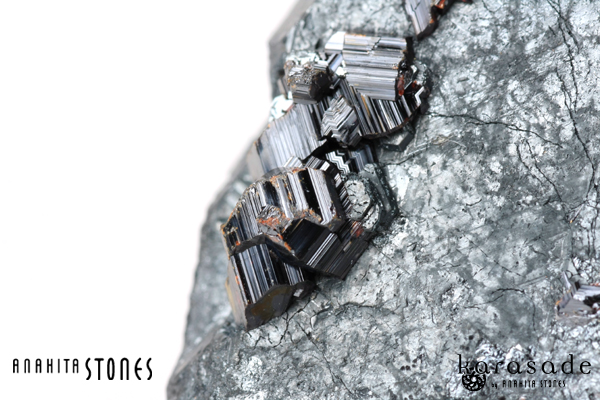 ルチルオンヘマタイト原石(ザンビア産)_d0303974_19244376.jpg