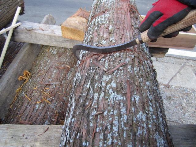 杉の皮剥ぎ_b0223199_20525095.jpg