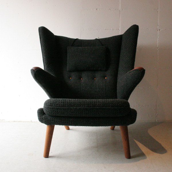 「Hans J Wegner AP19 ベアチェア(Papa Bear Chair)」_c0211307_21381188.jpg