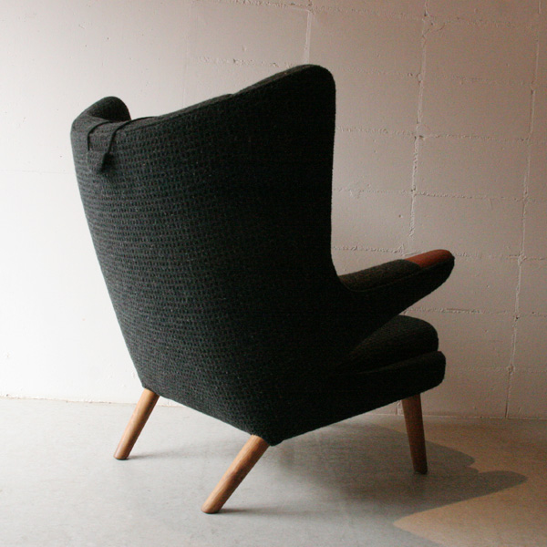 「Hans J Wegner AP19 ベアチェア(Papa Bear Chair)」_c0211307_21382383.jpg