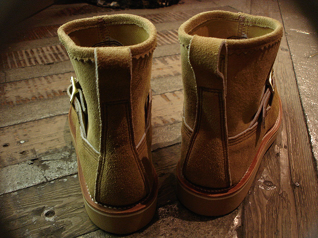 "NEW : RUSSELL MOCCASIN CO.[Premier Walking] & [Knock-A-Bout Boot with Strap] ""Laramie Suede\"" !!_a0132147_22474911.jpg"