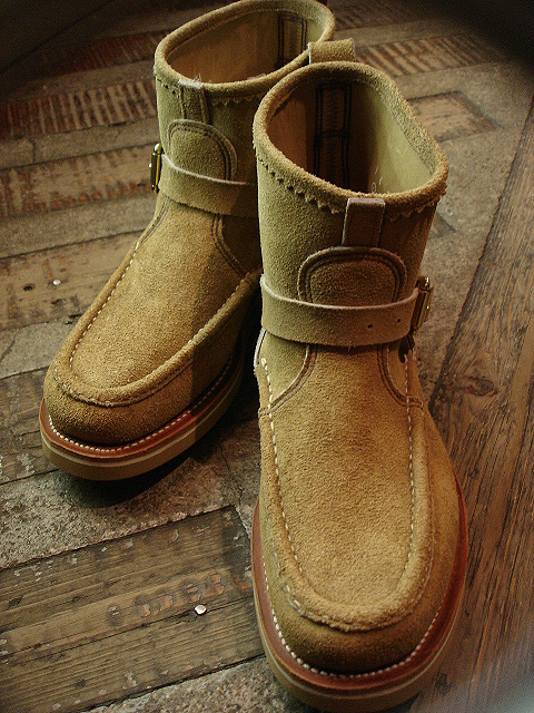 "NEW : RUSSELL MOCCASIN CO.[Premier Walking] & [Knock-A-Bout Boot with Strap] ""Laramie Suede\"" !!_a0132147_22495481.jpg"