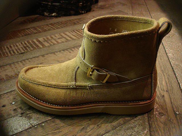"NEW : RUSSELL MOCCASIN CO.[Premier Walking] & [Knock-A-Bout Boot with Strap] ""Laramie Suede\"" !!_a0132147_2249568.jpg"