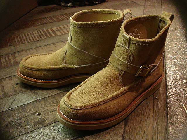 "NEW : RUSSELL MOCCASIN CO.[Premier Walking] & [Knock-A-Bout Boot with Strap] ""Laramie Suede\"" !!_a0132147_22501789.jpg"