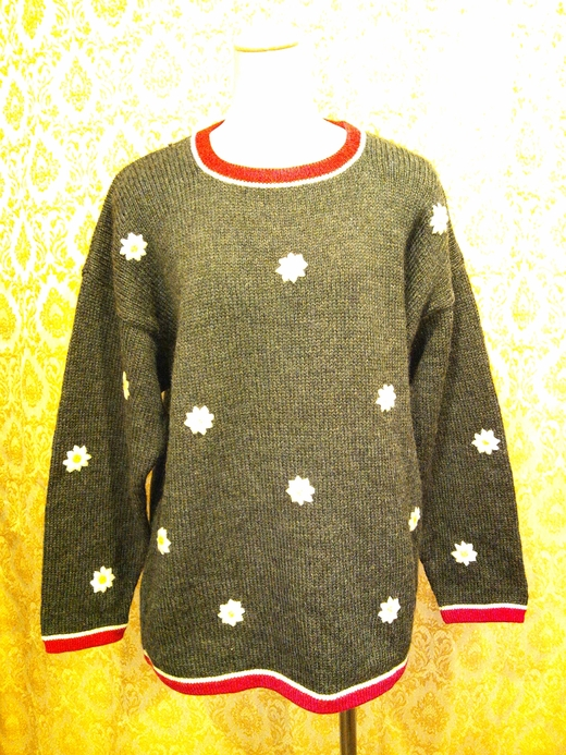 embroidered sweater_e0268298_15525610.jpg