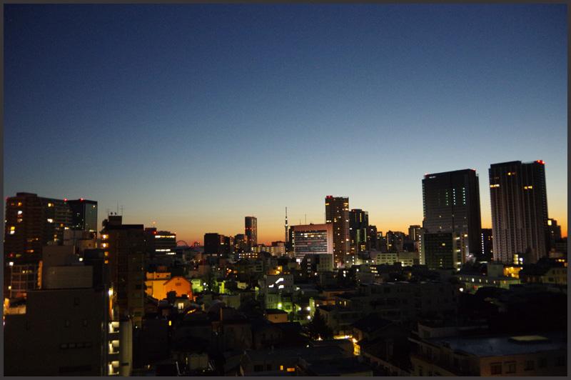 東京の夜明け_b0019313_1655198.jpg