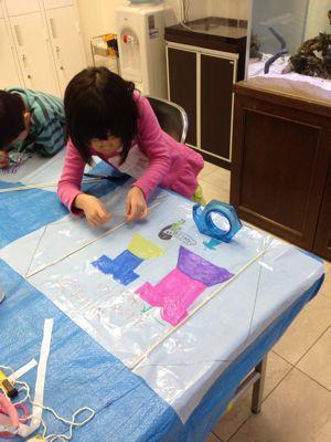阿倍野教室 凧づくり_f0215199_11391210.jpg