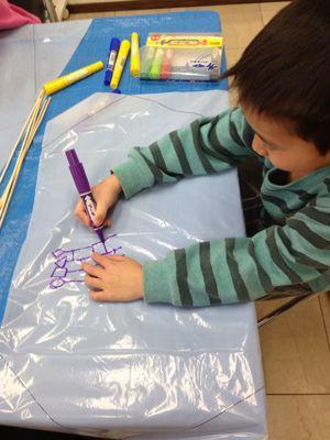 阿倍野教室 凧づくり_f0215199_1139267.jpg