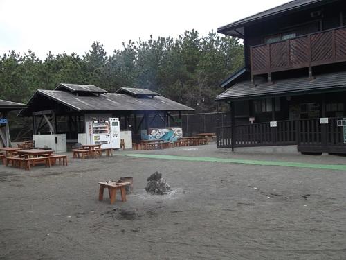 冬のキャンプ場...開いています。_b0137932_21395885.jpg