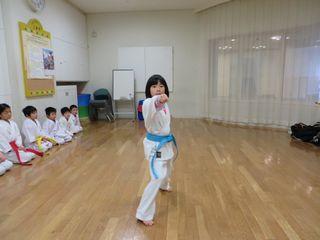土曜日空手 宮の沢教室 冬季昇級審査会_c0118332_1740153.jpg