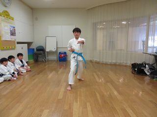 土曜日空手 宮の沢教室 冬季昇級審査会_c0118332_1740393.jpg