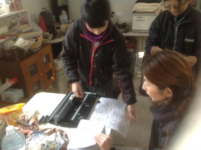 チラシ準備と木工教室準備_f0031037_20531121.jpg