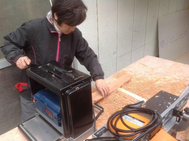 チラシ準備と木工教室準備_f0031037_20564515.jpg