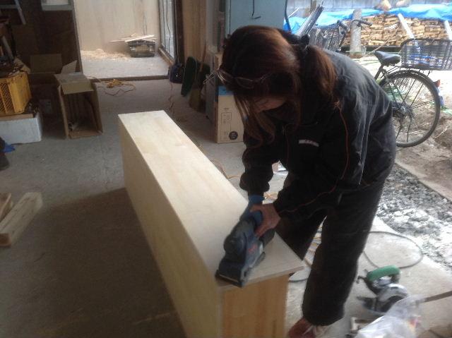 チラシ準備と木工教室準備_f0031037_2114677.jpg