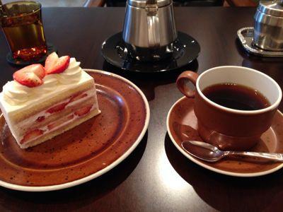 苺の季節のショートケーキ_c0185356_1542441.jpg