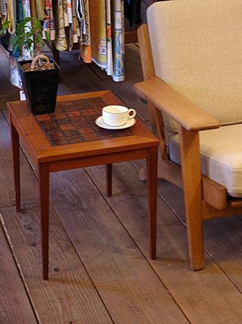 side table_c0139773_17461772.jpg