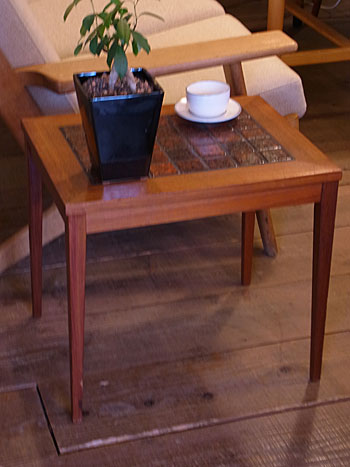 side table_c0139773_17462939.jpg