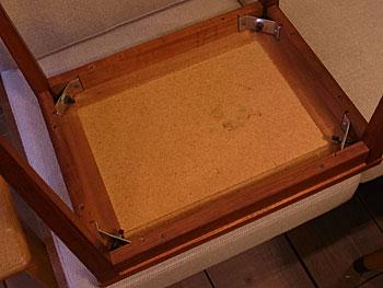 side table_c0139773_17475134.jpg