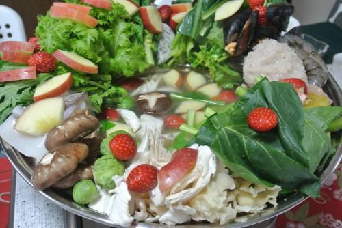 果物の鍋(Lau trai cay ラウ。チャイ。カイ)_c0325083_22091286.jpg