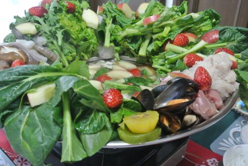 果物の鍋(Lau trai cay ラウ。チャイ。カイ)_c0325083_22105167.jpg