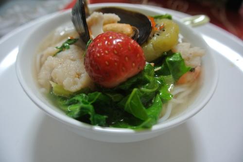 果物の鍋(Lau trai cay ラウ。チャイ。カイ)_c0325083_22125421.jpg